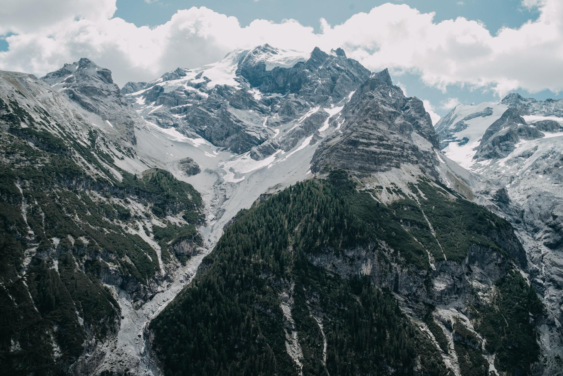 Montagne vicino al passo dello Stelvio in estate, the mountains in the region of Stelvio pass during summer time